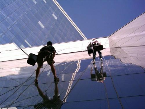 Высотные работы с помощью промышленного альпинизма и его главные преимущества